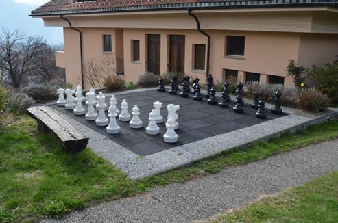 Schachspielen im Paladina, Pura Tessin